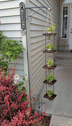 Diy hanging planter - 38 DIY Garden Pots project On a Budget Diy Garden, Garden Planters, Garden Projects, Garden Art, Garden Design, Diy Projects, Patio Plants, Herbs Garden, Plants Indoor
