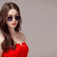 Woman in red 002 Stylish Girls Photos, Girl Photos, Cute Young Girl, Cute Girls, Beautiful Girl Image, Cute Beauty, Girls Dpz, Aesthetic Girl, Ulzzang Girl