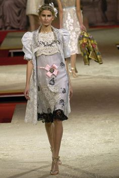 Christian Lacroix Spring 2006 Couture Collection Slideshow on Style.com ❤❤❤❤❤