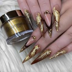 Nail Polish Brand Should Be Used for Stiletto Nails What Nail Polish Brand Should Be Used for Stiletto Nails ?What Nail Polish Brand Should Be Used for Stiletto Nails ? Beautiful Nail Designs, Beautiful Nail Art, Gorgeous Nails, Cute Nails, My Nails, Gold Nails, Prom Nails, Homecoming Nails, Pretty Nails