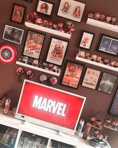 [New] The 10 Best Home Decor Today (with Pictures) Avengers Room, Marvel Avengers Movies, Marvel Jokes, Marvel Funny, Marvel Art, Marvel Bedroom, Funko Pop Display, Deco Cool, Marvel Photo