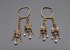 Earrings with inlaid cross-shaped pendants, century AD, Byzantine, Museum of Fine Arts Boston Byzantine Jewelry, Renaissance Jewelry, Medieval Jewelry, Ancient Jewelry, Old Jewelry, Antique Jewelry, Vintage Jewelry, Handmade Jewelry, Jewelry Making