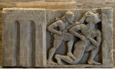 Heracles kills Alcyoneus. Sandstone. Metope from the temple of Hera at the mouth of the river Sele. Mid-6th century BCE. Paestum, National Archaeological Museum. (Photo by I. Sh.).