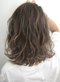 layered short hairstyles For Thick Hair Short Hair Styles Easy, Medium Hair Styles, Curly Hair Styles, Medium Short Hair, Short Hair Updo, Retro Hairstyles, Twist Hairstyles, Hairstyles Videos, Short Hairstyles