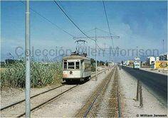 Esta es la avda Colonial. Enero 05, 2017. Colonial, Lima, Railroad Tracks, Peru, Train, Latin America, Turkey, Limes, Strollers