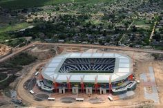 Nelspruit– officially renamed Mbombela– is a city situated in northeastern South Africa. It is the capital of the Mpumalanga province. Nelspruit lies 330 kilometres east of Johannesburg. Nelspruit is a major stopover point for tourists travelling to the Kruger National Park and to Mozambique. Tourists from Mozambique also stimulate the economy of the city significantly. Many people from Mozambique and Swaziland travel to Nelspruit for their monthly grocery shopping.