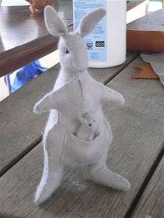 Rhythm & Rhyme: Wednesday Craft Group - Kangaroo Tutorial