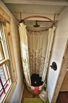 PERFECT shower!  I would honestly love one just like this.  It would alleviate all my fears of water spills.