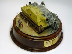 Spruepub Forum :: Topic: Shadow of the Past - Sturmtiger - Then and Now (1/2)