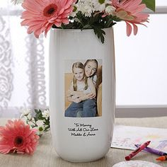 LOVE this vase! You can upload your own photo and write your own message ... great Mother's Day Gift Idea! And it's only $39.95 right now! #Mothersday #Flowers #Vase #Gift #productsILove