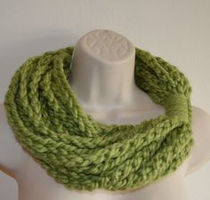 23413acb03fc Foulard chaîne crochet vert, crochet capot, foulard infini, cache-cou,  femmes