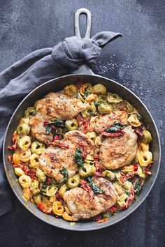 One-Pan Tuscan Garlic Chicken Tortellini Recipe. Make this EASY dinner as one of your go to weeknight meals. Cook it in your favorite cast iron skillet. This creamy dish comes together in just 30 minutes. You'll need chicken thighs or breasts, garlic, spinach, sundried tomatoes, cream, frozen tortellini.