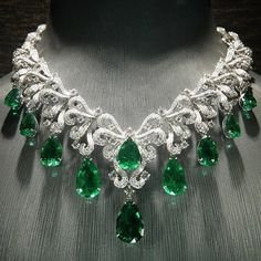 """3,243 Likes, 39 Comments - J E W E L R Y J O U R N A L❤️ (@jewelryjournal) on Instagram: """"#ILOVEemeraldsICanNotLie If you know who is this amazing Emerald and Diamond necklace by please…"""""""