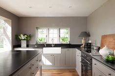 cocina gris habitación amplia moderna diseno estilo