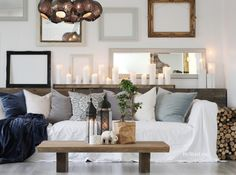 Complete the look with that fabulous golden taste of the mid-century style and voilá! You'll have your room complete. Modern Lighting Design, Separating Rooms, Beautiful Space, Home, Interior, Residential Interior, Home Decor, Residential Interior Design, Room