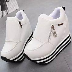 5fbf7ea894 10 melhores imagens de Sapatos Femininos em tamanhos especiais 41 ...