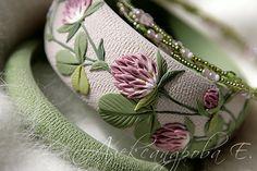 Bangle set Clover - 3pcs - Floral polymer clay bracelets - Flowers - Pastel Green Pink - Shamrock - Multistrand beaded bracelets