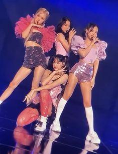 Kpop Girl Groups, Korean Girl Groups, Kpop Girls, Black Pink Songs, Black Pink Kpop, Blackpink Poster, Black Pink Dance Practice, Sour Candy, Vogue