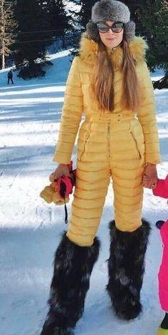 Hot Tickets, Winter Suit, Moon Boots, Classy Clothes, Fur Boots, Snow Suit, Designer Boots, Fur Collars, Parka