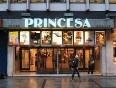 Secoes de cinema a 01h30 da manha... Sempre copias legendadas, uma excessao em Madrid