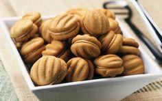ΚΟΥΛΟΥΡΑΚΙΑ & ΜΠΙΣΚΟΤΑ |Συνταγή για μπισκοτάκια με άρωμα καφέ γεμιστά με κρέμα