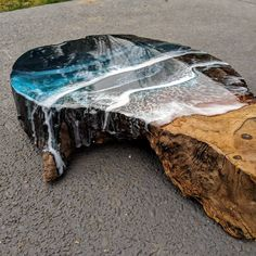 37 Stunning Resin Wood Table Design Ideas You Will Love - For several reasons, resin furniture has become a popular alternative to wooden furniture created for outdoor use. It looks similar to painted wood, b. Wood Resin Table, Epoxy Resin Table, Epoxy Resin Art, Wood Table Design, Resin Furniture, Wooden Furniture, Creation Deco, Resin Artwork, Diy Resin Crafts