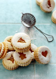 Sweet and Bitter: Linzer sandwiches with marzipan, bitter orange