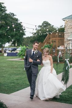 The Island House - Charleston Wedding via Riverland Studios #navy #white #charleston #weddings