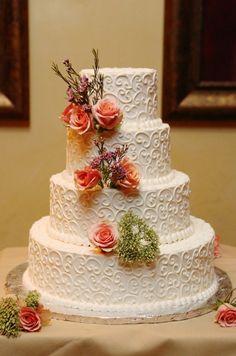 Fall wedding cake  http://rusticweddingchic.com/new-jersey-vintage-rustic-wedding