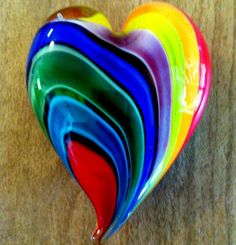 Rainbow of Hearts/love Heart shapes n Rainbow COLORS Taste The Rainbow, Rainbow Heart, Over The Rainbow, Rainbow Glass, I Love Heart, Happy Heart, Yoga Studio Design, Glass Paperweights, Objet D'art