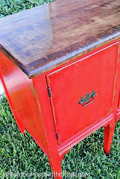 Distressing Painted Furniture with Stain #DIY