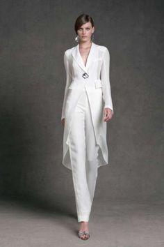 Idee abiti da cerimonia con pantaloni 2013 - Completo elegante bianco di Donna Karan