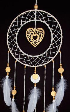 Wedding Dream Catcher Crochet Doilies Ideas For 2019 Crochet Doilies, Hand Crochet, Irish Crochet, Large Dream Catcher, Golden Heart, Wooden Beads, Women Accessories, Dream Wedding, Wedding Decorations