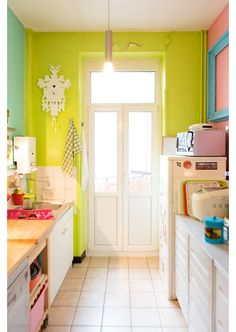 Colorful Kitchen - Home and Garden Design Ideas #kitchen #colourfulkitchens #food #sink #colour #utensils #kitchenutensils #kitchentable #kitchenchairs #home #yourhomemagazine