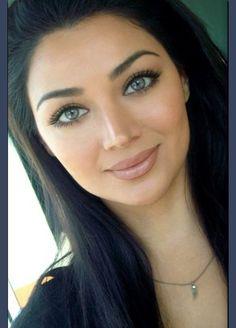 Love her makeup #natural