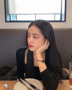 Korean Girl Photo, Ulzzang Fashion, Korean Fashion, Women's Fashion, Best Photo Poses, Girl Korea, Uzzlang Girl, Aesthetic People, Photography Poses Women