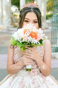 10 Quinceanera Poses An Expert S Ideas Quinceanera Planning, Pretty Quinceanera Dresses, Quinceanera Themes, Quince Dresses, 15 Dresses, 15th Birthday, Girl Birthday, Quince Pictures, Sweet 16 Photos