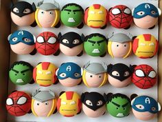 Superhero Cake and Cupcakes Avengers Birthday, Superhero Birthday Party, Cakepops, Avenger Cake, Avenger Cupcakes, Fondant Toppers, Cupcake Toppers, Cute Cupcakes, Cakes For Boys