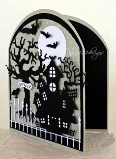 Its Lisa back this week with a new and easy card to make for Halloween! I used only 2 pieces of plain cardstock too. I wanted to ma. Holidays Halloween, Spooky Halloween, Halloween Labels, Halloween Halloween, Vintage Halloween, Halloween Pumpkins, Halloween Makeup, Halloween Costumes, Cute Cards