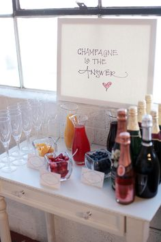 Champagne bar, for brides and bridesmaids the morning of the wedding, or for a bridal shower brunch Before Wedding, On Your Wedding Day, Dream Wedding, Trendy Wedding, Champagne Bar, Bubbly Bar, Wedding Champagne, Fruit Champagne, Champagne Breakfast