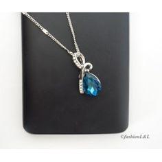Jemný náhrdelník s modrou slzičkou pre elegantnú ženu :)