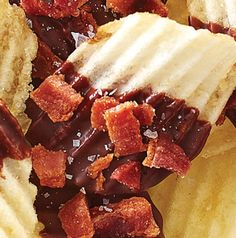 Yes, we dipped potato chips in chocolate and sprinkled them with bacon. We're not ashamed. Chocolate-Bacon Chips just might be the hit of your #gameday feast.