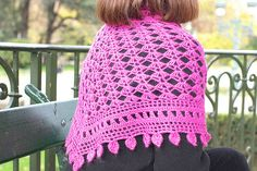 Armorique is a triangular shawl, worked from the top center outwards, and finished off with a large border. For the final edging, the designer gives you the choice between pretty scallops and lovely leaves.