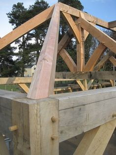 Castle Ring Oak Frame Hip - rafters are the 2 diagonal timbers that stretch from the ridge down to the corners or the frame. Timber Framing Tools, Oak Framed Buildings, Oak Frame House, Japanese Joinery, Timber Structure, Woodworking Inspiration, Wood Joinery, Hip Roof, Timber Frame Homes