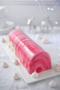 Je n'ai pas eu le temps de venir vous proposer de nouvelles recettes de desserts pour Noël et pourtant, j'en avais en réserve. Cette semaine, je suis en congés alors je viens vous donner ma recette de bûche chocolat/framboise réalisé 2 fois avec toujours...