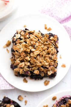 The Ultimate Healthy Blueberry Crumble {Recipe Video!}   Amy's Healthy Baking Healthy Blueberry Crisp, Blueberry Crumble Bars, Strawberry Oatmeal Bars, Vegan Blueberry, Healthy Baking, Easy Healthy Recipes, Healthy Desserts, Healthy Foods, Dog Food Recipes