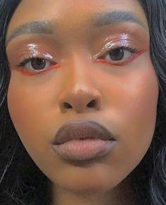 Red Eyeliner, Red Eye Makeup, Glossy Makeup, Black Girl Makeup, Dark Skin Makeup, Prom Makeup, Girls Makeup, Beauty Makeup, Glossy Eyes