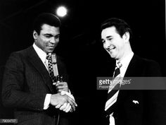 Sport Boxing Heavyweight Title Challenge New York USA February 1971 Muhammad Ali with Derby County Manager Brian Clough shake hands at a press...