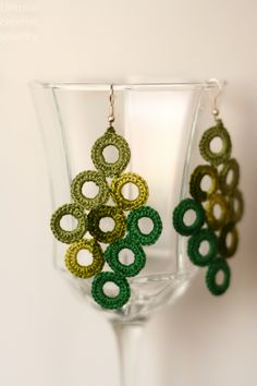 another version of the circle earrings from Unique Crochet Jewelry