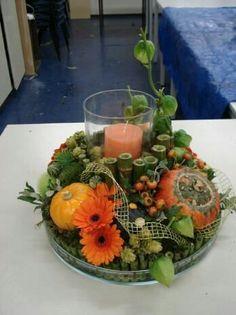 Floral arrangement for your campfire. Seasonal Flowers, Fall Flowers, Seasonal Decor, Fall Decor, Halloween Floral Arrangements, Floral Centerpieces, Flower Arrangements, Halloween Flowers, Christmas Flowers